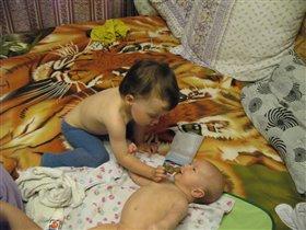 Заботливая сестра