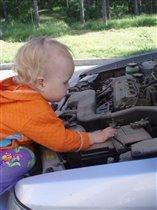 В машинах разбираются не только мальчики!
