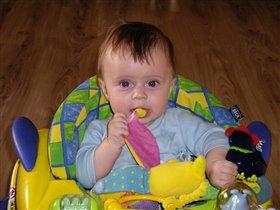 Какой вкусный бананчик!