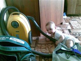 Маленький человек наводит большой порядок... Или беспорядок?