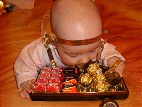 Маленькие детки любят сладкие конфетки