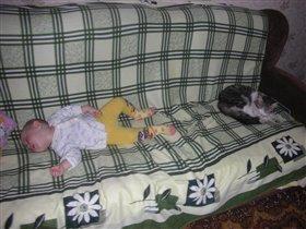 диван большой-всех друзей вместит!!