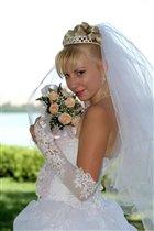 невеста, в этот светлый миг ты прекрасней всех..........