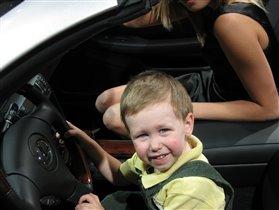 Хочу в свадебное путешествие! Да на ТАКОЙ машине, да с ТАКОЙ девушкой!!!