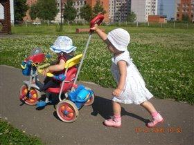 Экскурсия по детской площадке.
