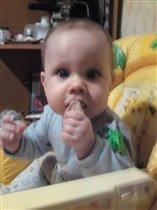 Мужик ест мясо!!!