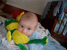 Лягушка под руку попала))))