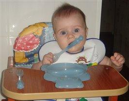 Тарелка пустая, хоть ложку погрызу!