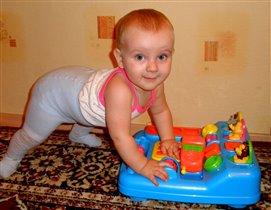 Ириша и её любимый игровой столик