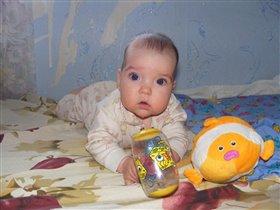 Анютка и её игрушки)