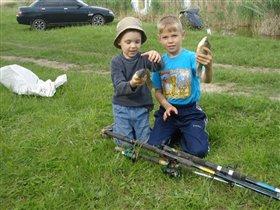 на рыбалку брат позвал......