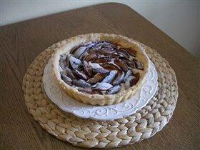 Пирог со сливами и заварным кремом...
