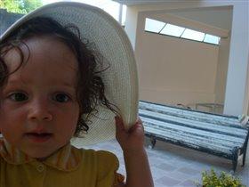 А шляпка то соломенная!))))))))