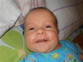 первая улыбка Ромки (2 мес.)