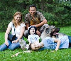 Весёлая семейка