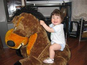 ' Я люблю свою лошадку, причешу ей гриву гладко'