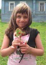 Девочка земляничка