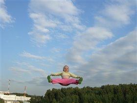 Воздушная гимнастика развивает координацию!