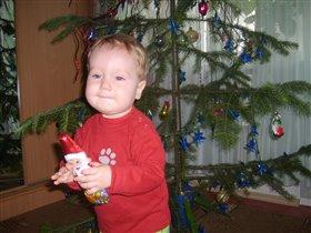 У елочки с шоколадным Дедом Морозом!