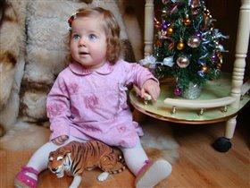 ёлка есть, тигр есть..... а где Дед Мороз?!