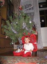 Мамин подарочек под новоголней елкой
