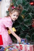 Ой! А я подарочки ищу!