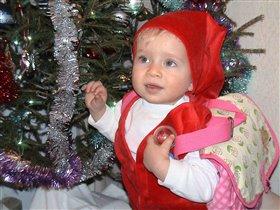 Я под елочкой хожу, Дед-Мороза жду-пожду