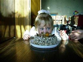 Торт!!! И весь мой!!!!
