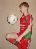 Будущему футболисту нужны ежедневные тренировки!
