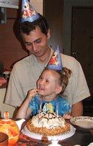 День Рожденья на двоих, а торт - на всех! :)