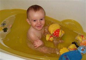 Пузыри летят вокруг... чудо- ванна - первый друг!