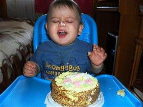 Аааа почему тортик такой маленький!