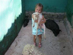 Мамочка, давай заберем козленочка домой...