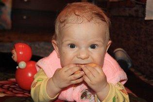 А я бублики люблю,Пашенька,8 месяцев!