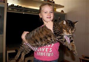 Наш котеночек подрос