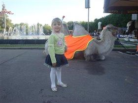 Дашенька с царём пустыни :)))