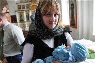 Мадонна (Ирина) с младенцем (Максимом)