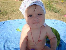 На пляже, лето выдалось очень жарким
