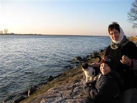 Поездка В Балтийск .Мы и местный кот.