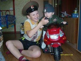 Глеб Жиглов и Володя Щарапов ловят банду и главаря