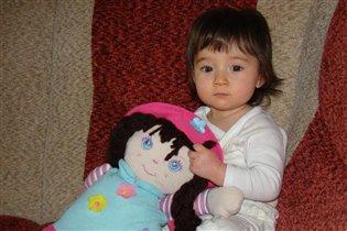 Даша и её любимая кукла