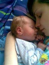 Так сладко спит))