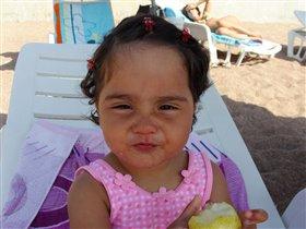 В первый раз ем грушу