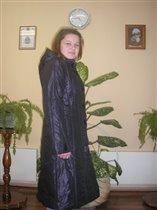 Ирина Дынина в пальто от Ламиры