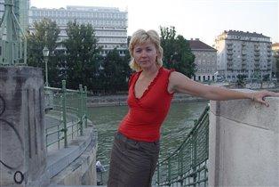 И в Вене - тоже в П*мо!