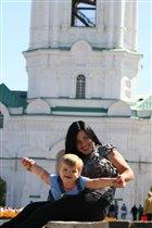 Анюта с мамой в Астраханском кремле