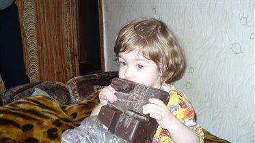 Большая сладость для маленькой детки!