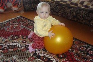 Маша Виноградова-вратарь размером с мяч)))