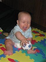 Я хохочу и мяч кручу! Быть футболистом я хочу!