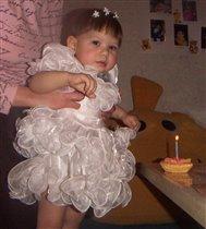 Маленький тортик с одной свечечкой :)